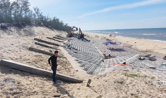 Thừa Thiên Huế: Gấp rút thi công kè biển Phú Thuận trước mùa mưa bão