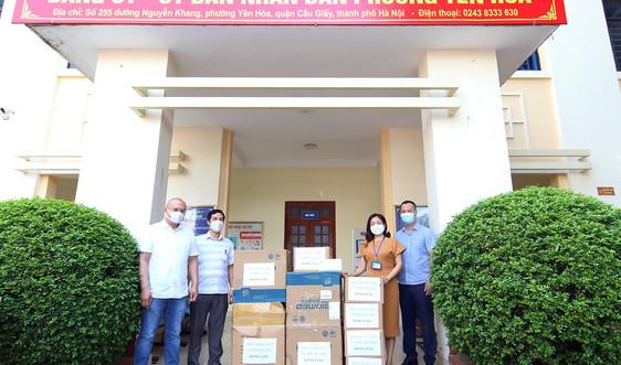 Báo TN&MT ủng hộ công tác phòng chống dịch COVID-19 phường Yên Hoà, quận Cầu Giấy