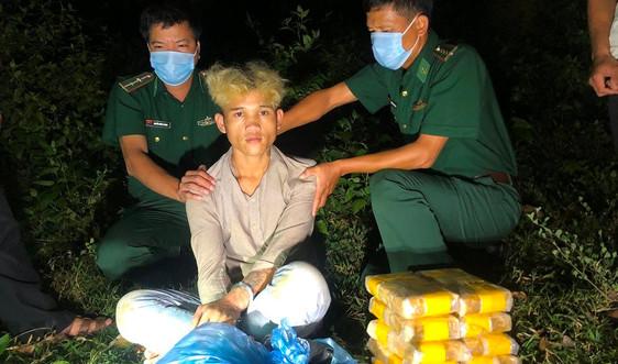 Quảng Trị: Bắt đối tượng vận chuyển 60.000 viên ma túy khu vực biên giới