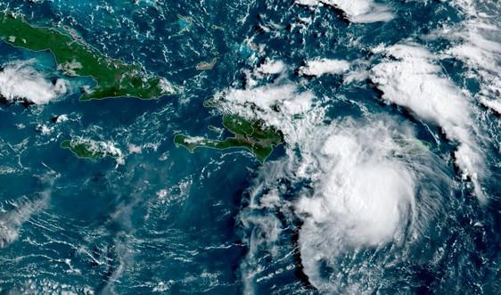 Bão nối bão tiếp tục đổ bộ Đại Tây Dương