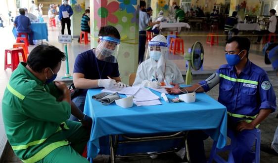 TP.HCM: Bảo vệ sức khỏe, động viên kịp thời công nhân vệ sinh môi trường