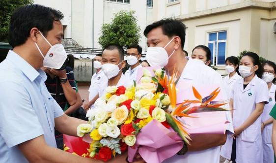 Hà Tĩnh: Thêm 32 cán bộ, nhân viên y tế lên đường vào Bình Dương hỗ trợ phòng dịch