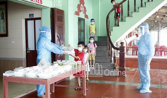 Nam Định: Ghi nhận thêm 2 ca dương tính Covid-19, cách ly tập trung 33 học sinh lớp 1