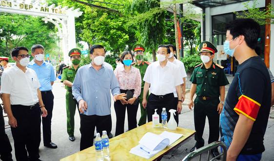 Bí thư Thành ủy Hà Nội: Tiếp thu cầu thị, điều chỉnh cấp và kiểm tra giấy đi đường phù hợp với thực tiễn