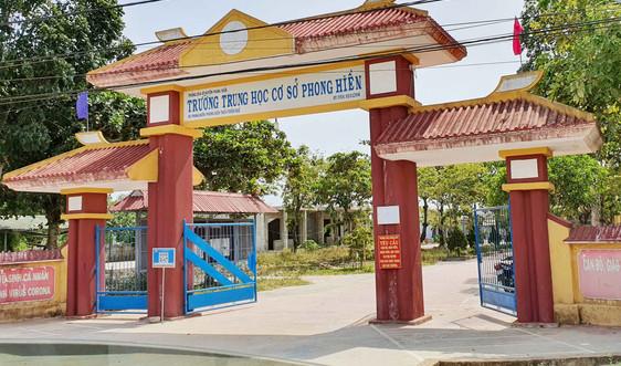 """Thừa Thiên- Huế: Doanh nghiệp tài trợ rút lui, dãy phòng học tiền tỷ nằm """"dở dang"""""""