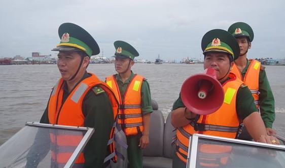Ứng phó bão Conson: Kêu gọi tàu thuyền tránh trú, sẵn sàng sơ tán người dân