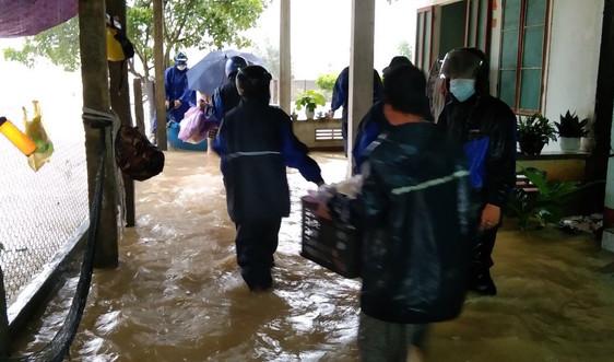 Quảng Ngãi: Yêu cầu người dân không ra khỏi nhà để ứng phó với bão số 5