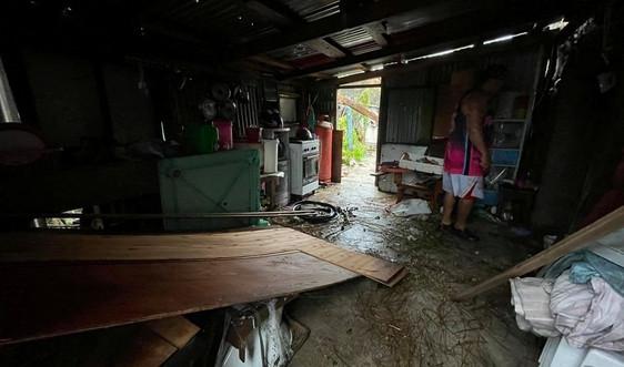 Bão lớn đổ bộ miền Bắc Philippines khiến hàng nghìn người phải di tản