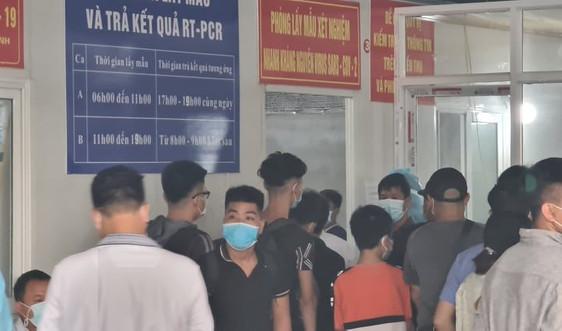 Hà Nam: Lộn xộn tại khu vực test Covid-19 của Bệnh viện Hà Nội – Đồng Văn