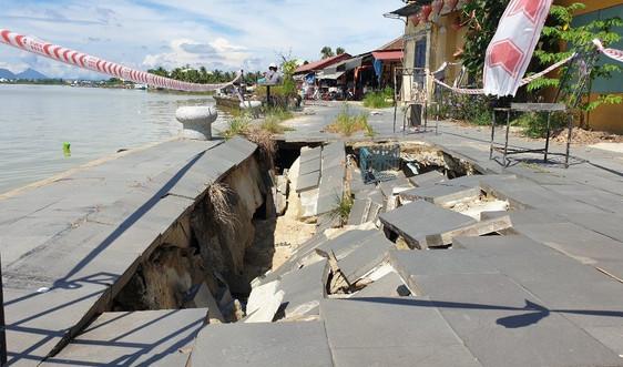 Quảng Nam: Bờ kè bảo vệ phố cổ hơn trăm tỷ sụt lún nghiêm trọng
