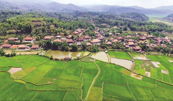 Đồng bào dân tộc thiểu số phát triển du lịch gắn với bảo vệ môi trường