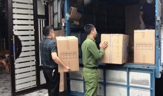 Hà Tĩnh thu giữ lô hàng thiết bị y tế không rõ nguồn góc