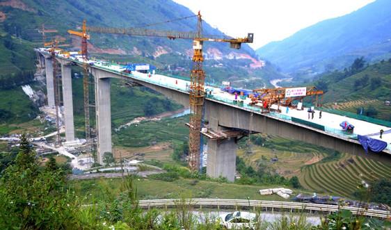 Lào Cai: Hợp long cây cầu cạn cao nhất Việt Nam