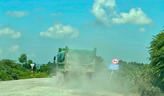 Ninh Bình: Xe tải trọng lớn vẫn tung hoành đê hữu Đáy