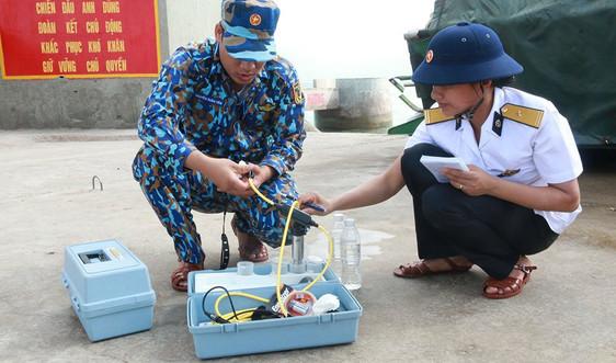 """Bài dự thi """"Cùng giữ màu xanh của biển"""" - Những """"Thầy thuốc môi trường"""" của biển"""