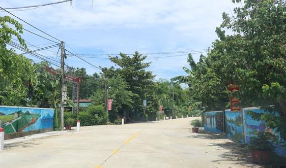 Hà Tĩnh: Huyện có thành tích đạt chuẩn NTM vinh dự được tặng Huân chương Lao động