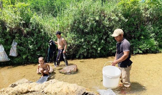 """Nam Đông (Thừa Thiên - Huế): Giải """"bài toán"""" nước sạch cho đồng bào miền núi"""