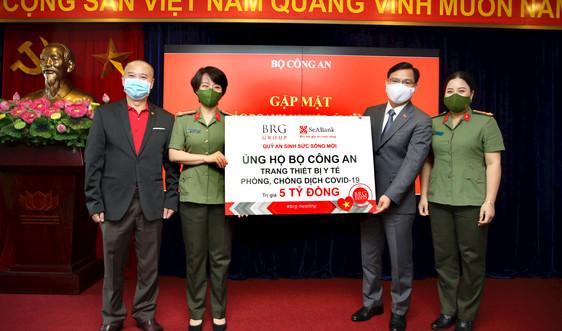 Tập đoàn BRG và Ngân hàng SeABank ủng hộ trang thiết bị y tế phòng chống dịch Covid-19 cho Bộ Công an