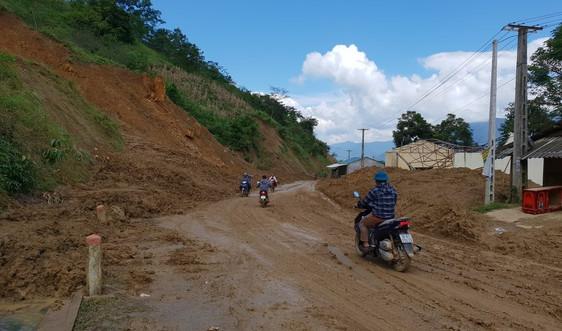 Nâng cao nhận thức cộng đồng, chủ động phòng tránh sạt lở đất, đá