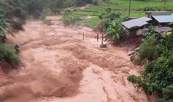 Yên Bái: 2 người bị nước lũ cuốn trôi