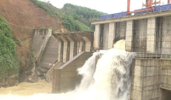 Nghệ An: Mưa to, nhiều nhà máy thủy điện đồng loạt xả lũ