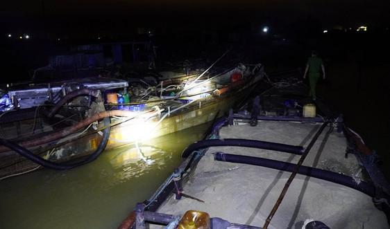 Quảng Trị: Công an nổ súng, vây bắt 4 tàu hút cát lậu trên sông Thạch Hãn