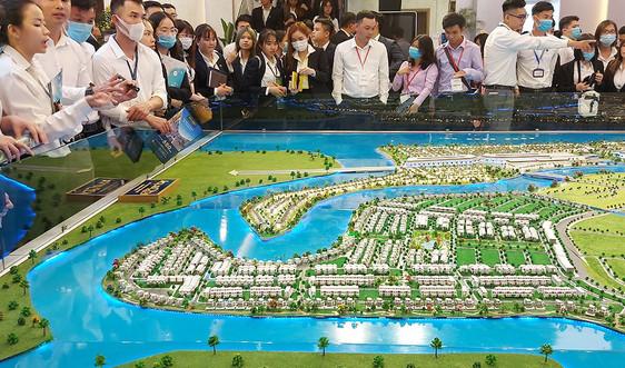 Thị trường bất động sản 2021: Sẽ phục hồi vào cuối năm?