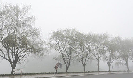 Thời tiết 23/10: Hà Nội trời rét, Tây Nguyên và Nam Bộ có mưa