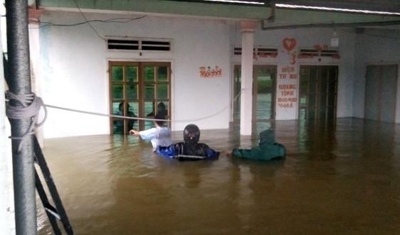 Quảng Nam: Hồ đập đồng loạt xả lũ, khẩn trương di dời dân