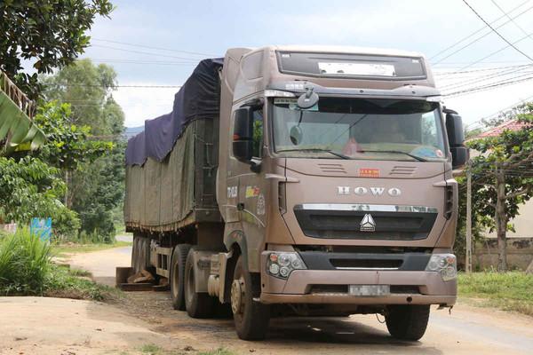 Đắk Lắk: Mật phục bắt xe chở đá quá tải hơn 130%