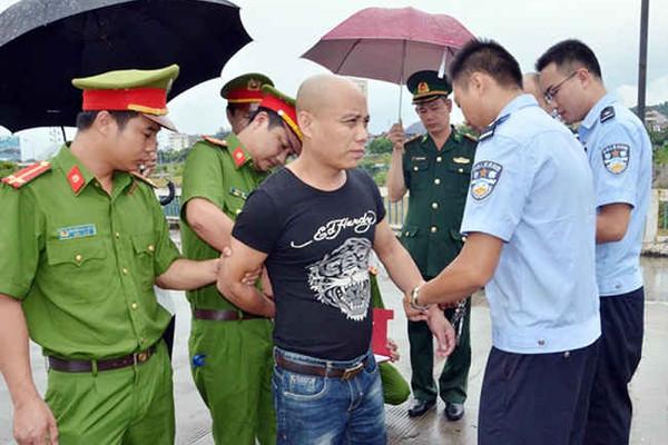 Lào Cai: Trao trả đối tượng gây án trốn sang Việt Nam cho công an Trung Quốc
