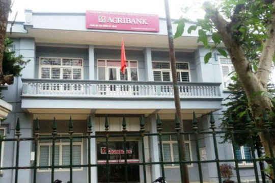 """Cán bộ  Agribank huyện Mường Lát """"mất tích"""" sau khi vay tiền tỉ của dân"""