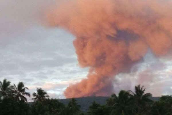 Núi lửa Vanuatu phun trào, hơn 6.000 người phải sơ tán