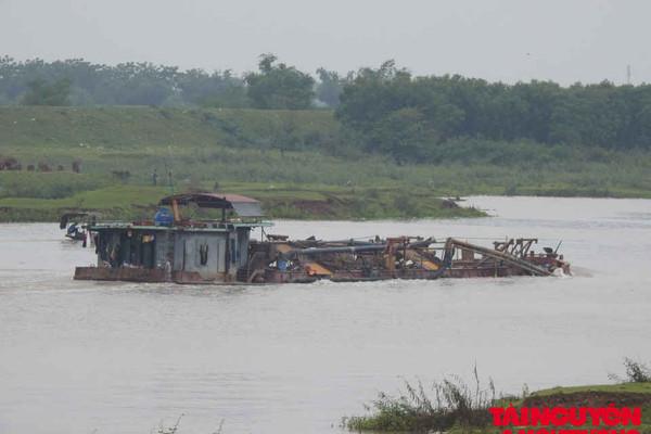 Bắc Giang đang xem xét tiếp tục cấp phép khai thác cát, sỏi trên sông Cầu