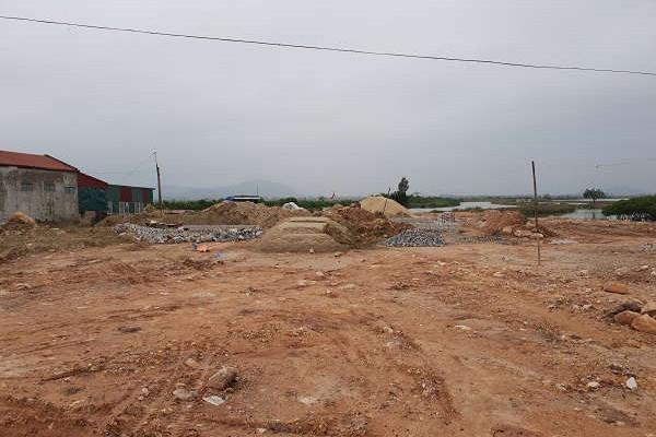 """Tĩnh Gia (Thanh Hóa): """"Ngang nhiên"""" cấp phép xây dựng nhà ở vào khu quy hoạch trồng cây xanh"""