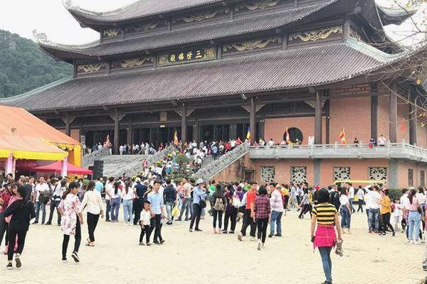Ninh Bình: Đón 1,9 triệu lượt du khách đầu năm 2019