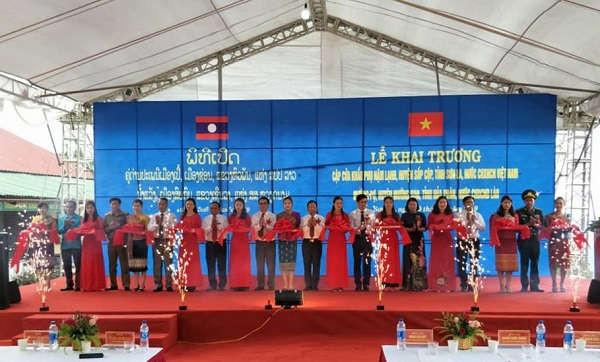 Khai trương cặp cửa khẩu phụ Nậm Lạnh (Sơn La) - Mường Pợ (Hủa Phăn, Lào)