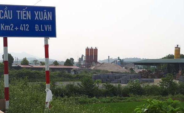 Xã Tiến Xuân, huyện Thạch Thất: Hàng loạt trạm trộn bê tông sử dụng đất sai mục đích?