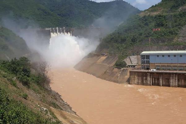 Nghệ An: Mưa dồn dập, xả lũ nhiều hồ thủy điện