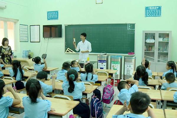 Nhiều trường học ở TP.HCM nói không với rác thải nhựa
