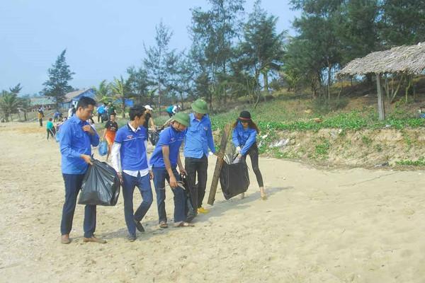 Quảng Ninh nâng cao ý thức và vai trò cộng đồng trong việc bảo vệ môi trường biển