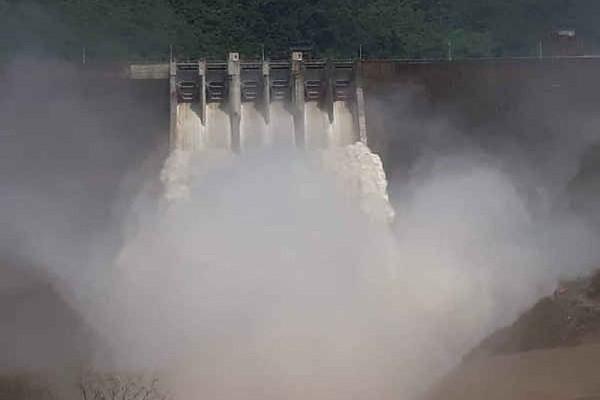 Nghệ An: Thêm 2 nhà máy thủy điện xả lũ