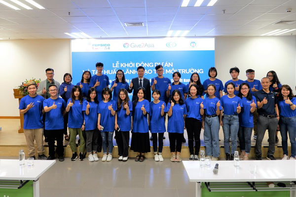 Tập huấn lãnh đạo trẻ môi trường về tái chế nhựa