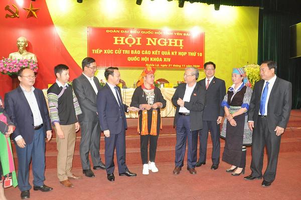 Thường trực Ban Bí thư Trần Quốc Vượng tiếp xúc cử tri tại các huyện vùng cao Yên Bái