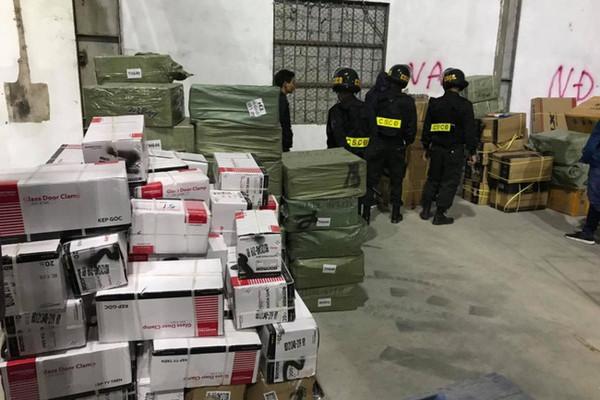 Quảng Ninh: Đình chỉ 6 cán bộ hải quan liên quan vụ buôn lậu tại cửa khẩu Bắc Phong Sinh.