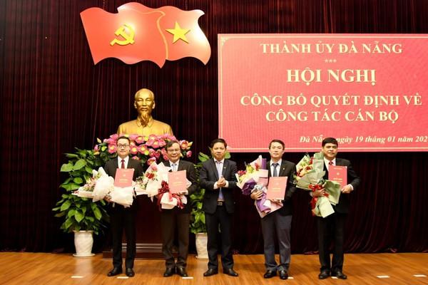 Đà Nẵng: Công bố các quyết định về phân công, điều động và bổ nhiệm một số cán bộ chủ chốt