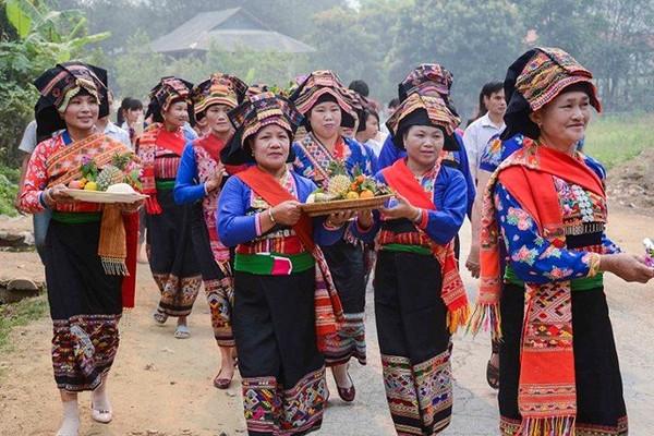 Lễ Bun huột nặm (Tết té nước) của dân tộc Lào ở Điện Biên