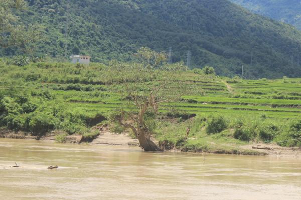 Điện Biên: 2 học sinh bị tử vong khi đi tắm trên sông Mã