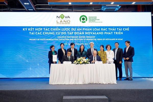 Tập đoàn Novaland hợp tác chiến lược với PRO Việt Nam trong phân loại, thu gom rác thải tái chế tại nguồn