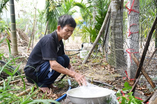 Quảng Ngãi: Kiểm tra tình trạng nước sinh hoạt ở xã Đức Phú bị ô nhiễm